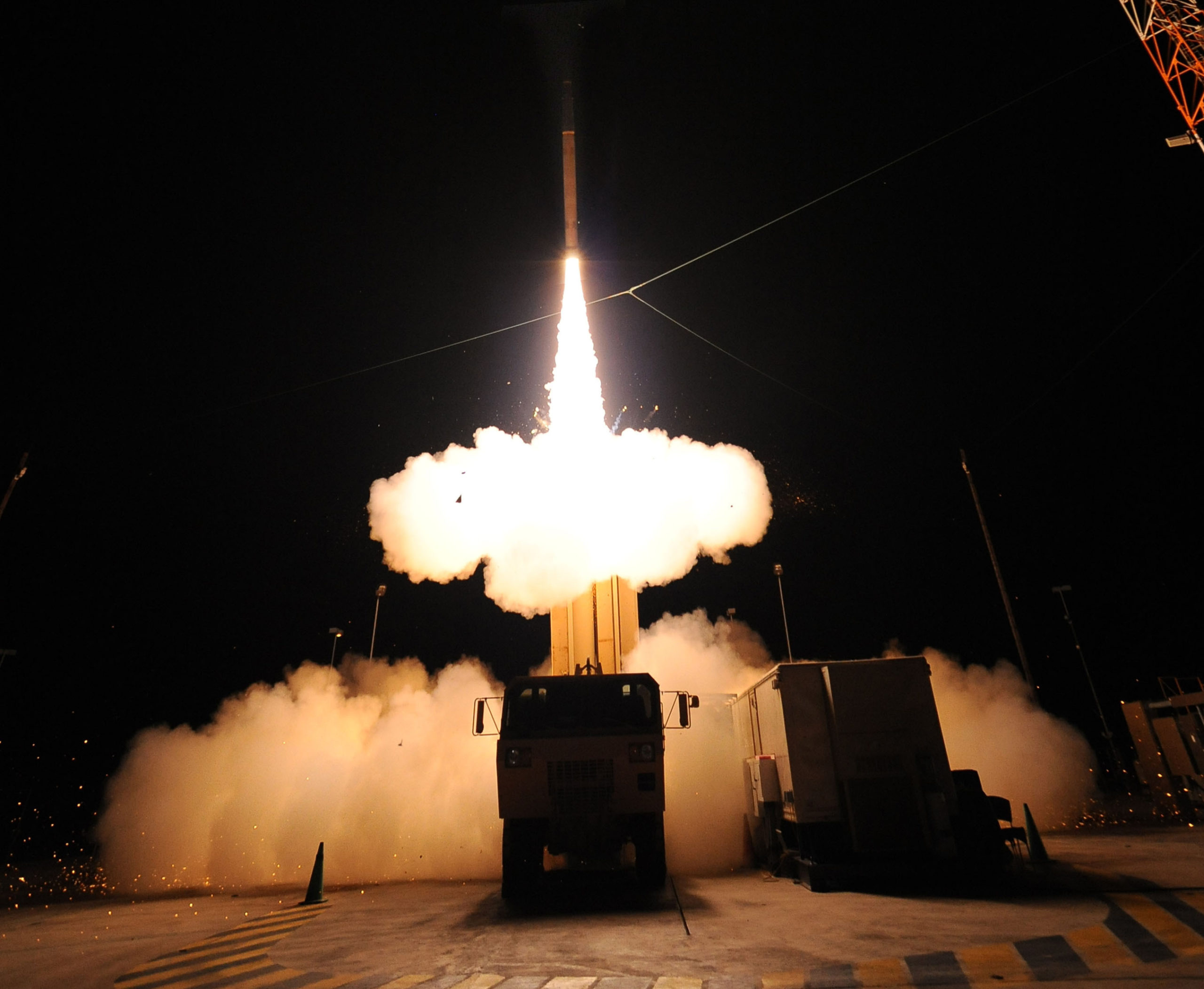 On June 29th Lockeed Martin conducted a successful flight test of the Terminal High Altitude Area Defense (THAAD) Weapon System at the Pacific Missile Range Facility on Kauai, Hawaii.  (PRNewsFoto/Lockheed Martin)